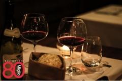 tavola-con-bicchieri-di-vino-ristorante-80°-Miglio