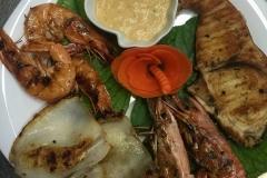 grigliata mista di pesce con salsa della casa