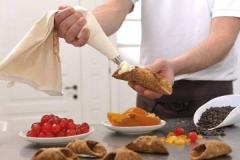 Preparazione dei cannoli siciliani