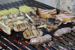 Un particolare della cottura alla griglia, tra le specialità del San Mattia di Verona