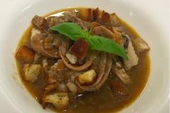 zuppa di pesce con croccante di pane