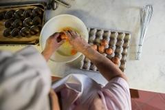 dolce-in-preparazione-al-ristorante-bernardone