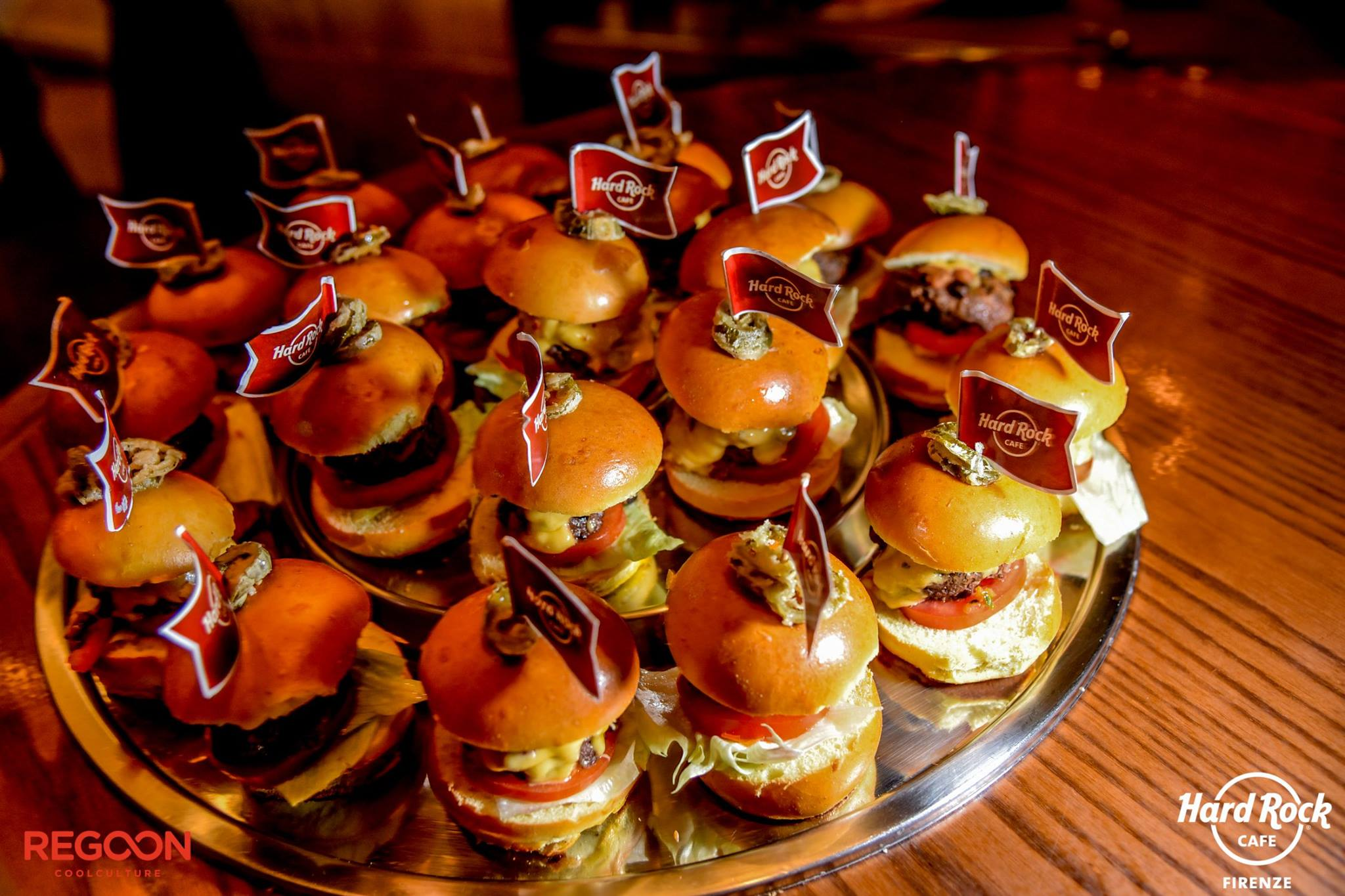 miniburger-vassoio-hardrockcafe-firenze