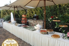 Un buffet allestito dalla pasticceria Carletti di Terni