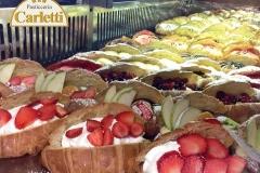 I cornetti ripieni della pasticceria Carletti di Terni