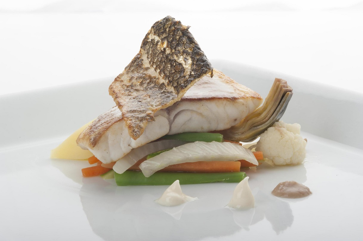 Pesce spada su verdurine miste