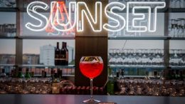 sanset-sanbitter-bancone-calice-aperitivo