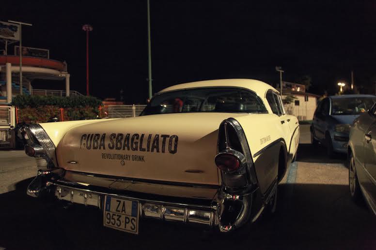 Macchina targata Cuba Sbagliato